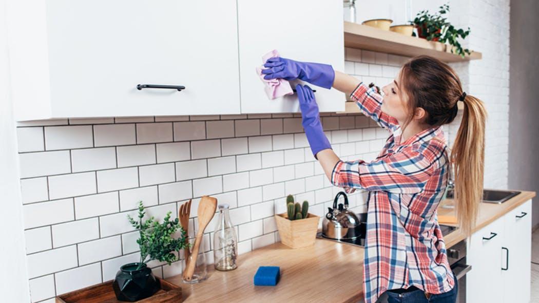L'exposition aux produits ménagers lors des premiers mois de la vie augmente le risque d'asthme